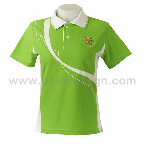 เสื้อโปโล สีเขียวตัดต่อข้างลำตัวสีขาว พร้อมงานปักและสกรีนตามแบบตัวอย่าง